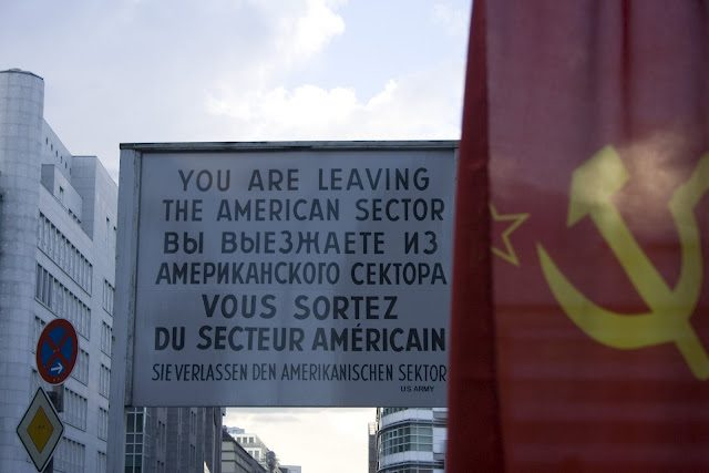 Berlin-CheckPointCharlie