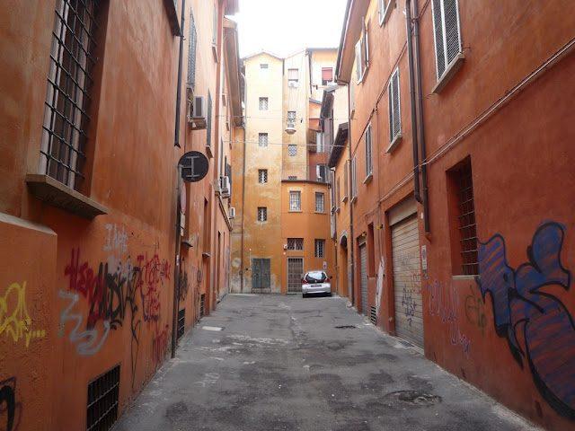 Bologna-Callejones