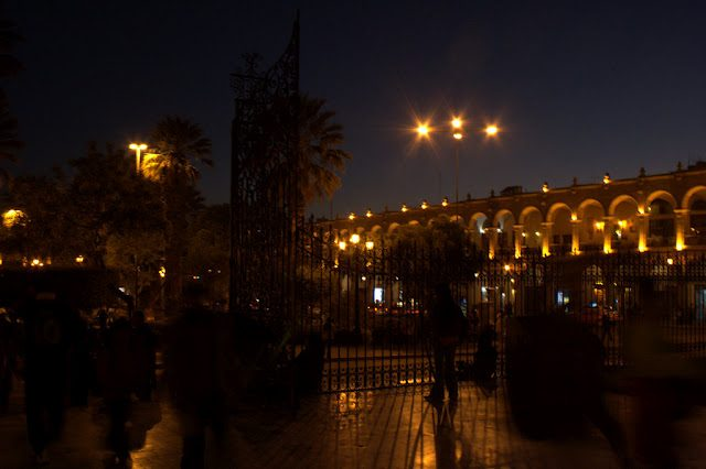 Arequipa-NocturnaPlazaArmas