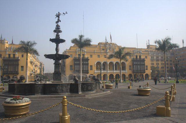 Lima-PlazaArmas