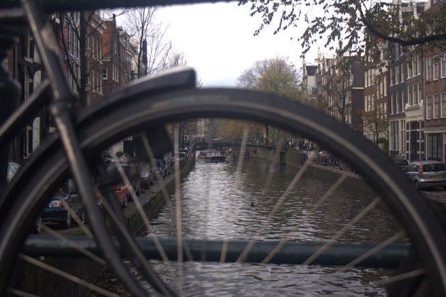 Amsterdam-CanalesBicicletas