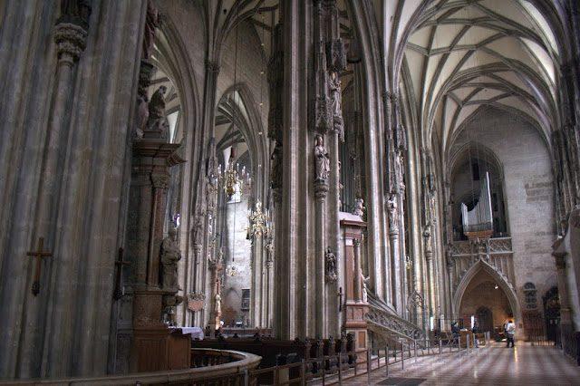 Viena-CatedralSanEstebanInterior