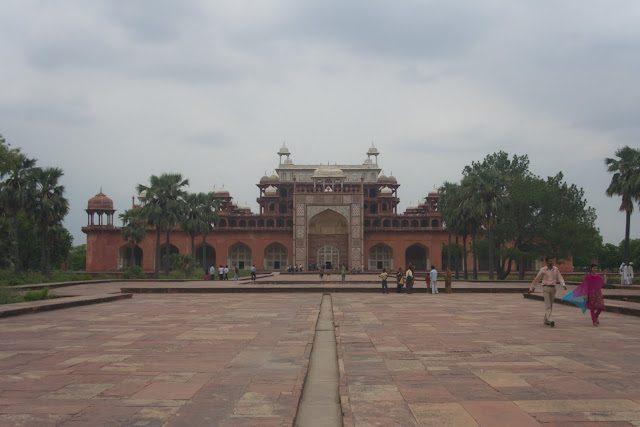 Agra-MausoleoAkbar