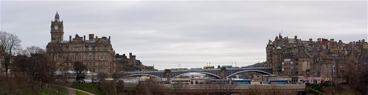Reino Unido Escocia Edimburgo Northbridge puente muertos suicidas