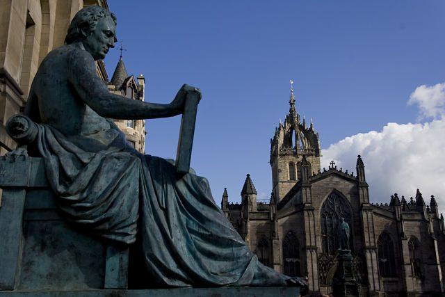 Edimburgo-DavidHumeStGiles