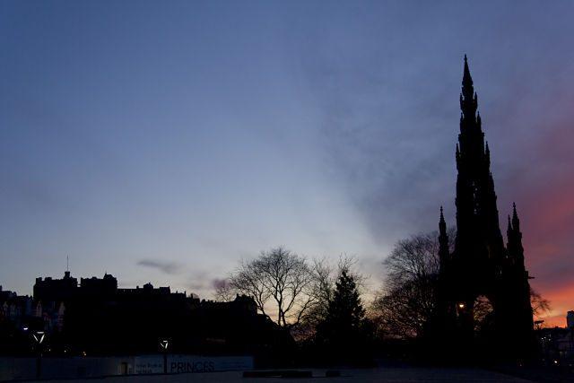 Edimburgo-PuestaSolWalterScott