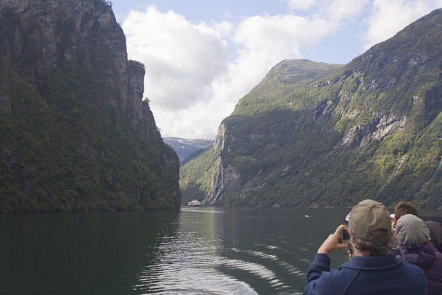 Geirangerfjord-FerryvsFerry