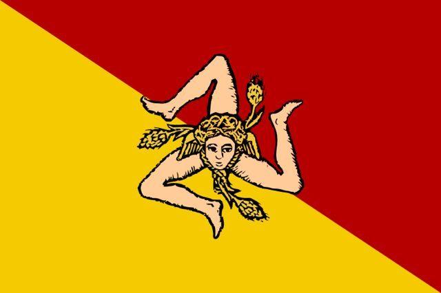 Sicilia-Bandera Cabeza Medusa Tres Piernas