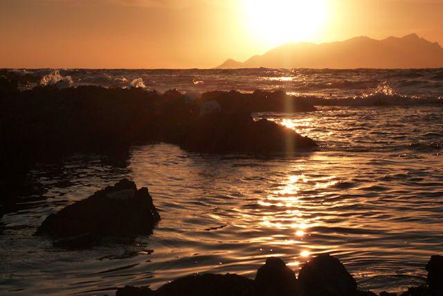 Favignana-PuntaSottilePuestaSolAgua