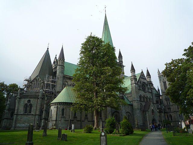 Trondheim-CatedralNidarosLateral