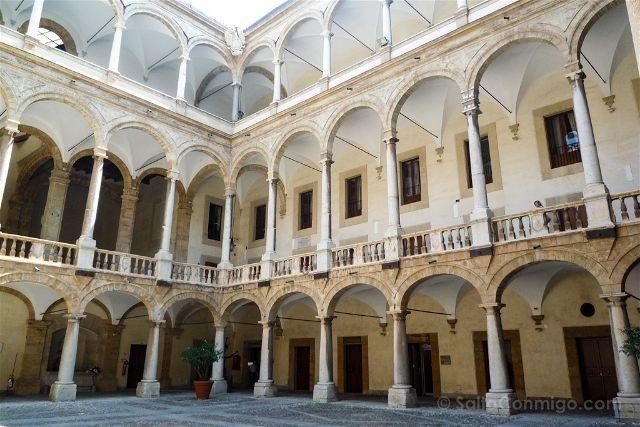 Italia Sicilia Patio Palacio Normandos
