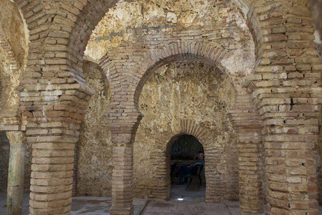Baños Arabes De Ronda: de finales del siglo XIII , unos de los mejor conservados de toda