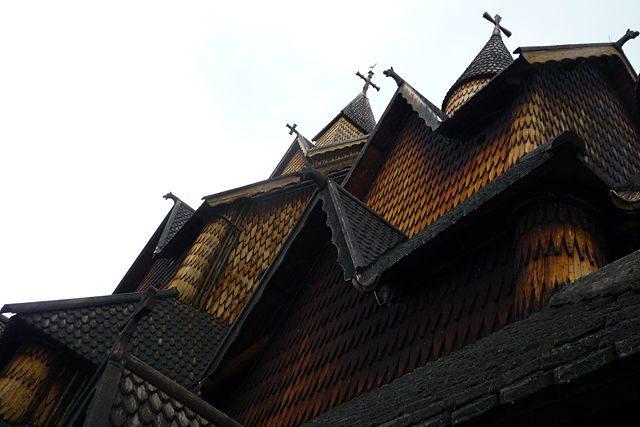 Noruega-Stavkirke Heddal Torres