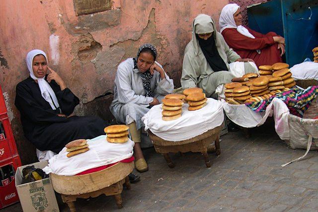 Marruecos-Medina Mujeres Pan