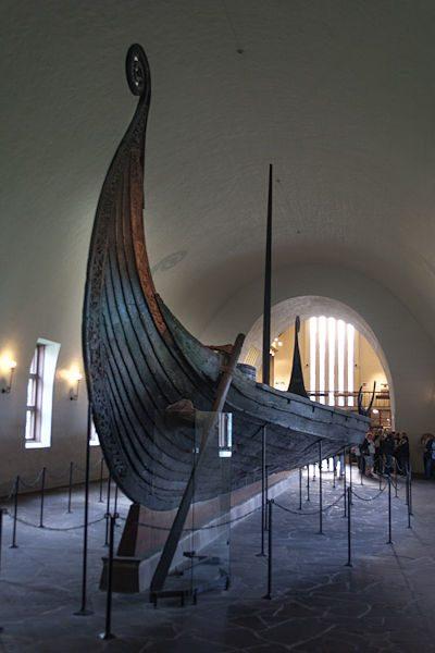 Noruega-Oslo-Vikingskipshuset Gokstad Frontal