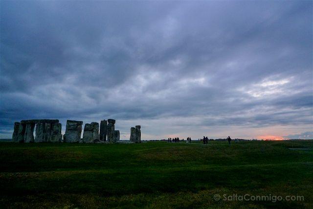 Stonehenge Puesta de Sol Oscura