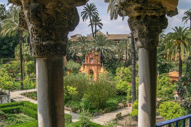 Sevilla Real Alcázar Jardin Puerta Privilegio