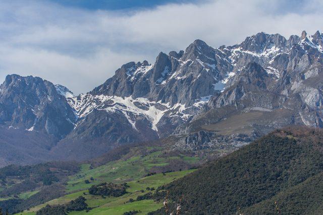 Picos de Europa Montesy Pastos