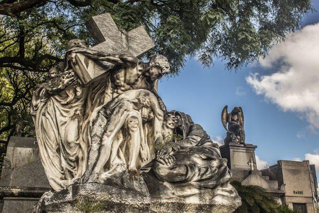 Argentina Buenos Aires Cementerio Chacarita Escultura Entrada