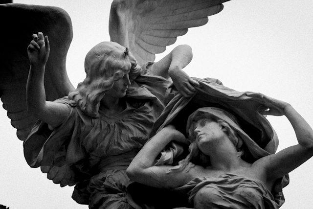 Argentina Buenos Aires Cementerio Recoleta Angel Consuelo