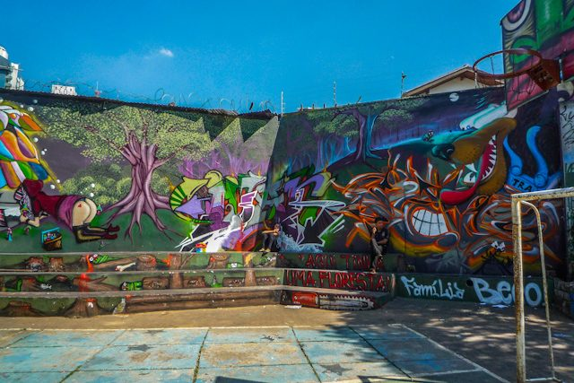Sao Paulo Beco Aprendiz Caperucita Graffiti