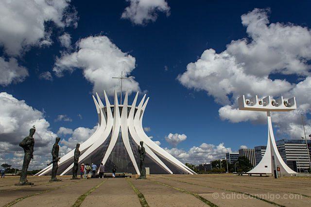 Brasilia Catedral Exterior Cielo Nubes