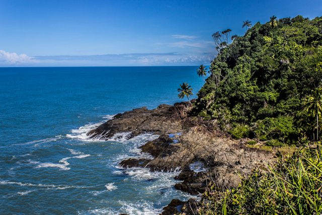 Itacare Camino Prainha Rocas Playa