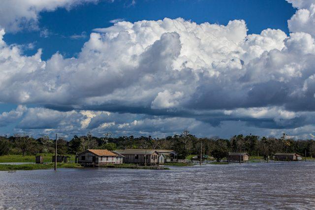 Río Amazonas Comunidad Orilla