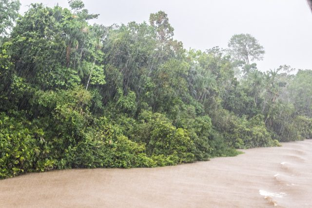 Río Amazonas Tormenta