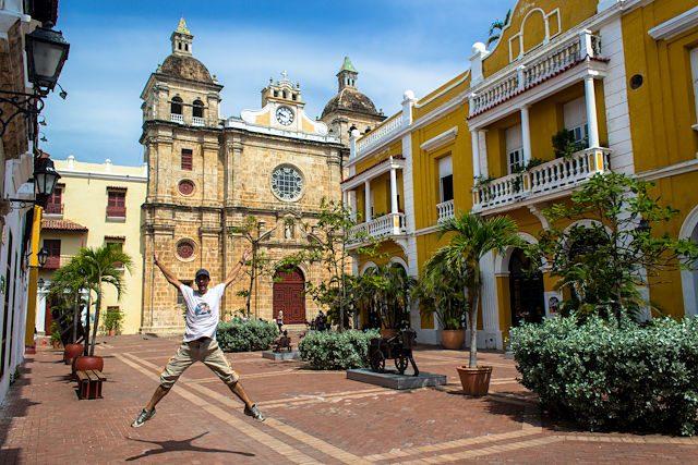 Cartagena de Indias Plaza Balcones San Pedro Claver Salto