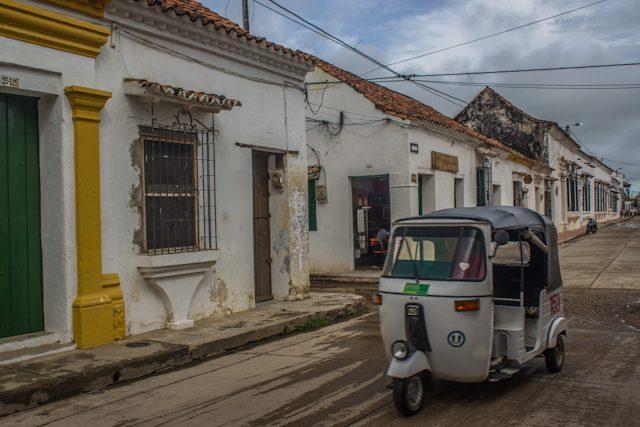 Mompos Mototaxi Calle Dia