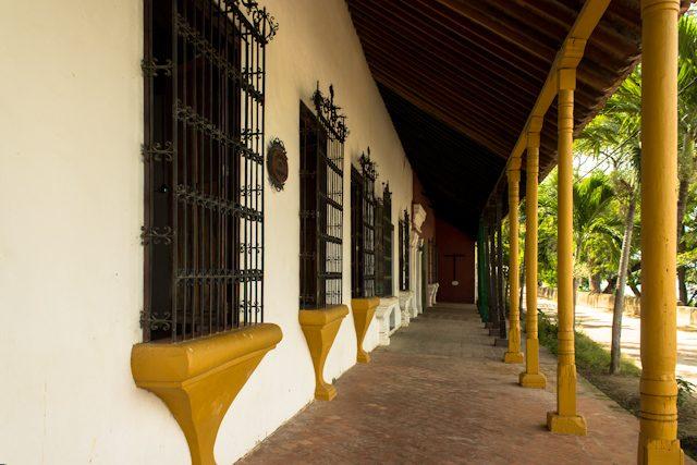 Mompos Portales De La Marquesa Cruz Esclavos