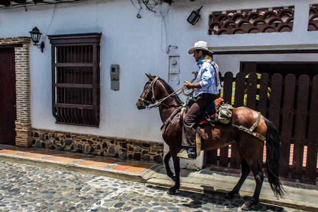 Santa Fe de Antioquia Jinete Calle Empedrada