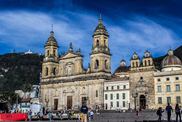 Bogota Catedral Plaza Bolivar