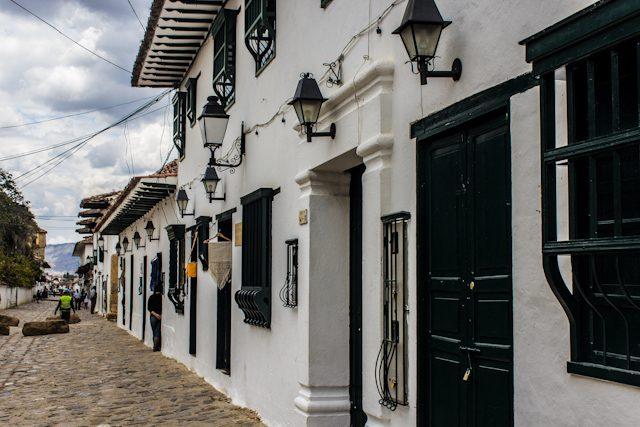 Villa De Leyva Calles Puertas Ventanas Verdes