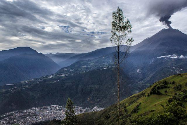 Baños Tungurahua Erupcion Ciudad