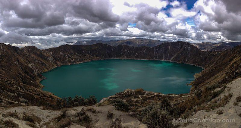 Quilotoa Volcan Laguna Panorama