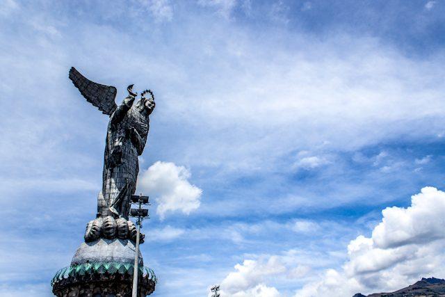 Quito Virgen Alada Completa