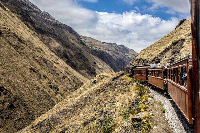 Riobamba Tren Ecuador Nariz Del Diablo Curva