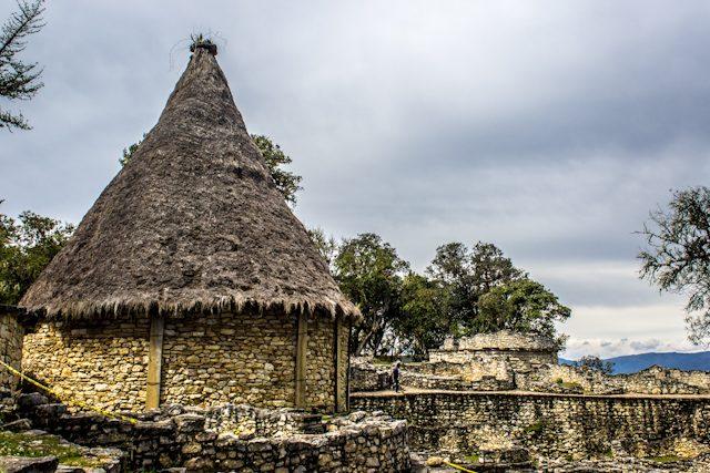Chachapoyas Fortaleza Kuelap Casa Reconstruida