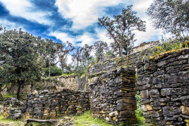 Que ver en Peru Chachapoyas Fortaleza Kuelap Muros Interiores