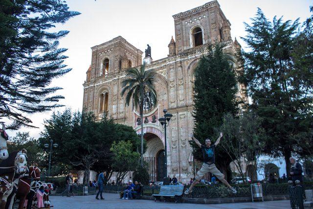 Cuenca Nueva Catedral Exterior Salto
