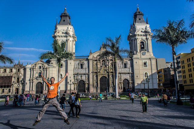Lima Plaza de Armas Catedral Salto