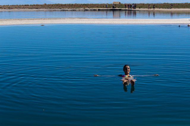 San Pedro Atacama Laguna Cejar Flotando TurisTour