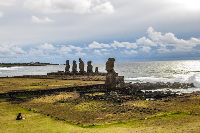 Isla De Pascua Rapa Nui Ahu Tahai