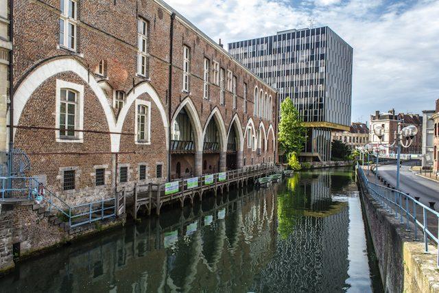 Francia Douai Palacio Justicia Canal