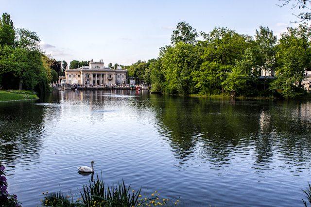 Polonia Varsovia Parque Real Lazienki Krolewskie Palacio Isla