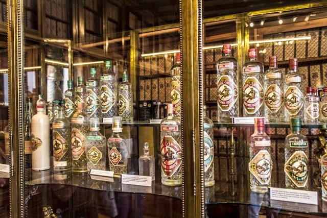 Barcelona Badalona Anis del Mono Archivo Botella
