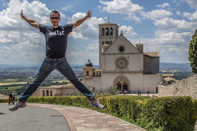 Italia Assisi Basilica di San Francesco Salto