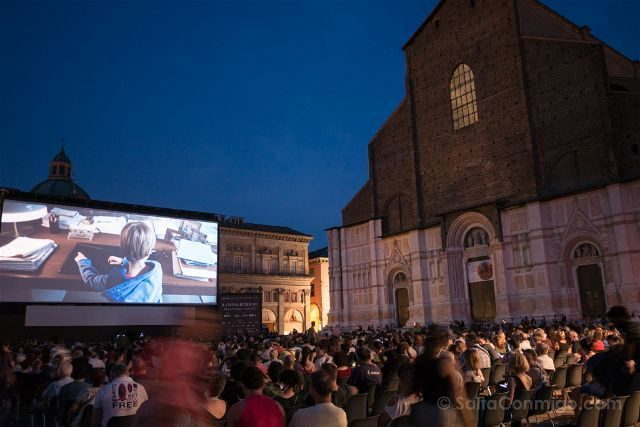 Italia Emilia Romagna Bolonia Cine Noche